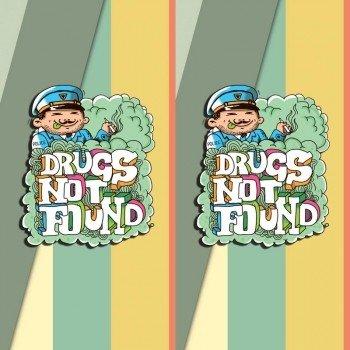 Наклейка на телефон Наркотики не найдены