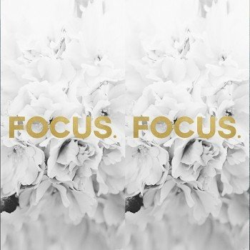 Наклейка на телефон Focus