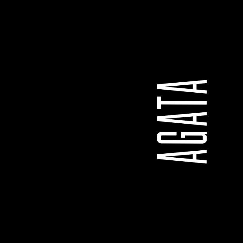 Наклейка на телефон Агата - черный фон