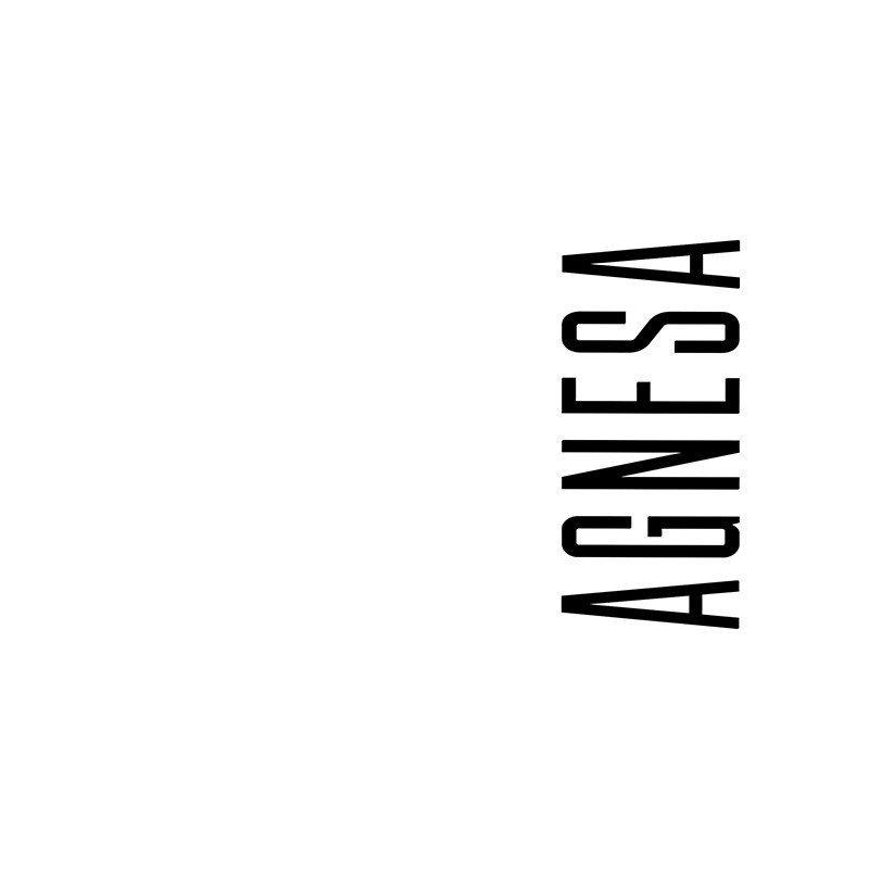 Наклейка на телефон Агнеса - белый фон