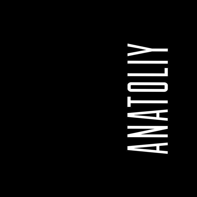 Наклейка на телефон Анатолий - черный фон
