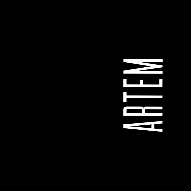 Наклейка на телефон Артем - черный фон