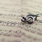 Наклейка на плеер Скрипичный Ключ На Нотах