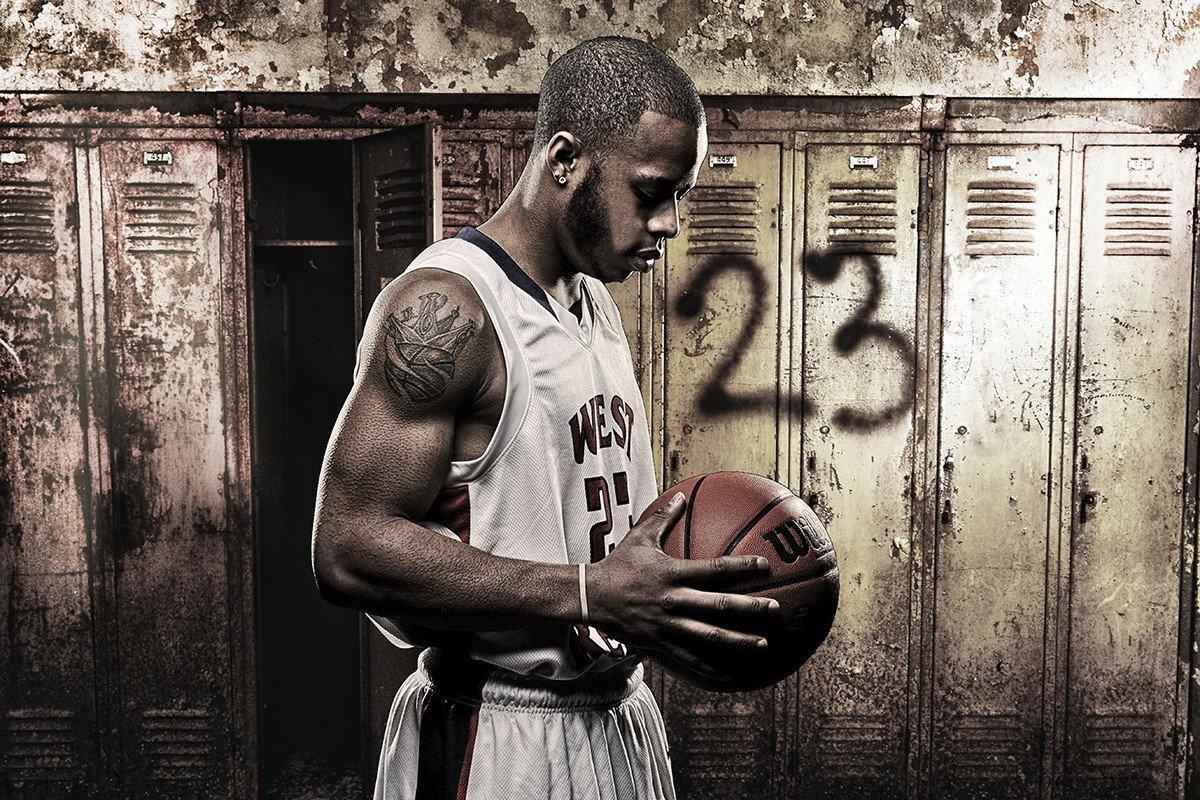 Наклейка на ноутбук Баскетболист