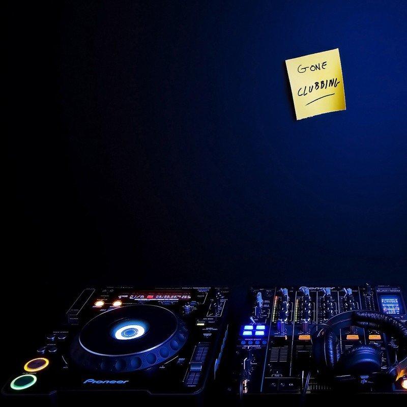 Наклейка на плеер Gone Clubbing